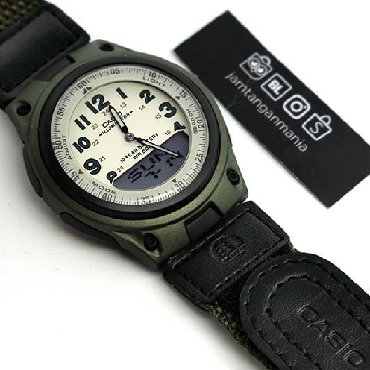 Зеленые Унисекс Наручные часы Casio