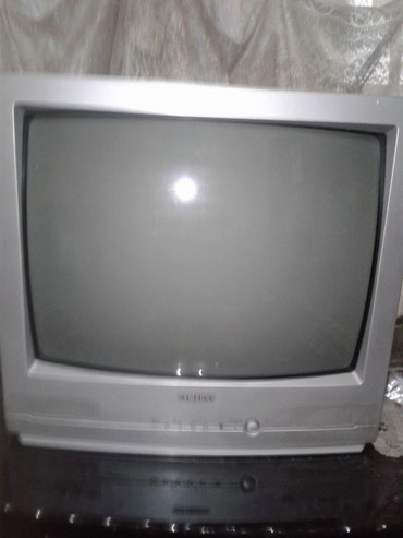 """ПРОДАЮ телевизор """"samsung""""-за 2500 сом. звонить или ВАТЦАП в Бишкек"""
