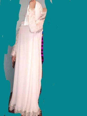 Женская одежда - Кызыл-Туу: Одевала 1 раз только на кыз узатуу. Купила за 4000. Можно одевать на