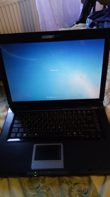 Asus laptop dual core 2,00 ghz,2 gb ram,300 gb hdd, grafika ati radeon