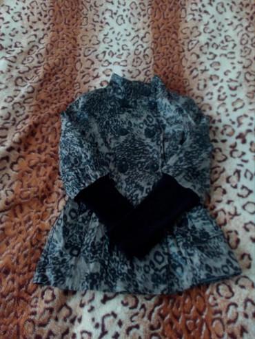весеннюю курточки в Кыргызстан: Курточка-жакет весенняя-осенняя 42-44 размера б/у состояние