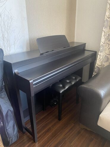 Mağaza vitrinleri - Азербайджан: Medeli DP -740 modeli. En son modeldir. Elektro pianino.2200 azn Royal