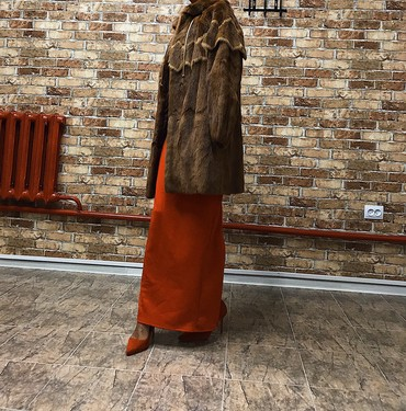 шубы норковые в Кыргызстан: Продается оригинальная норковая шуба в идеальном состоянии, размер M-L