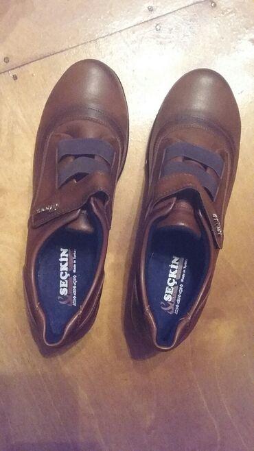 женские черные кроссовки в Азербайджан: Женская новая турецкая обувь 37 размера. Qusar şəh