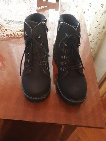 detskaya obuv botinki в Азербайджан: Novie botinki,38 razmer,material nabukyeni geyinilmemish yazliq bot,38
