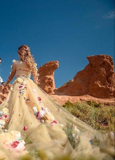 шью на заказ платье в Кыргызстан: Продаю Платье шила на заказ одето всего на 1 час, съемный шлейф