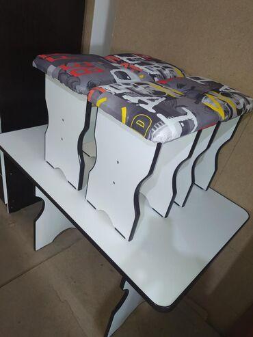 Новый стол на кухню с 4 стулчиками