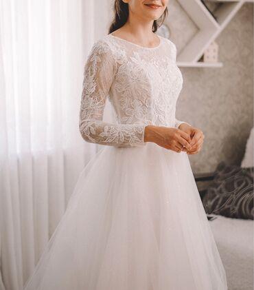 продать свадебное платье в Азербайджан: Продаю нежное свадебное платье.🤍Размер 40-42.🤍На рост 166+ каблук.🤍