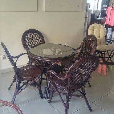 Садовая мебель в Душанбе: Комплект из стола и 4 стульев. Натуральный ротанг. Стулья имеют