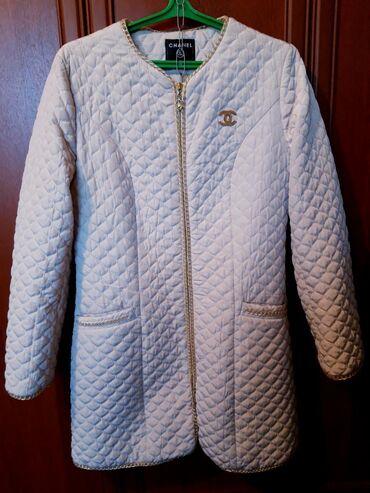 Дизайнеры одежды - Кыргызстан: Продаю куртку шанель 3 иксль 3000 сом