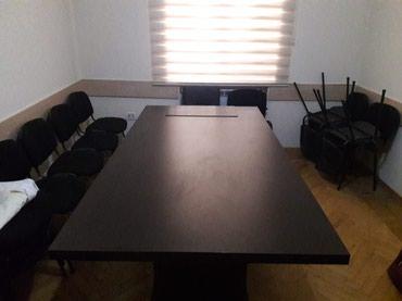 Ofis stolu 650 azn.  Hər kəsə salam. Ofis otağı üçün ideal böyük stol