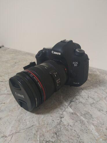 Продаю canon 5d mark III с китовым объективом 24-105mm f4. Имеется