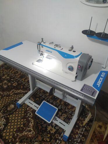 Электроника - Бишкек: Швейная машина Фирма: JACK F4 (Сост новый)