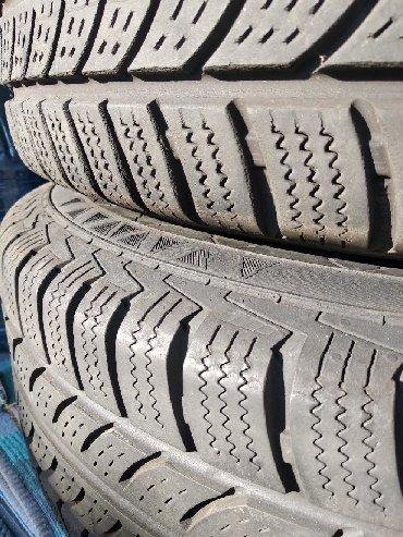 диски мерседес спринтер r16 в Кыргызстан: Продаю диски с хорошей зимней резиной на Мерседес Вито, Виано, на