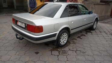Audi S4 2 л. 1993 | 281555 км