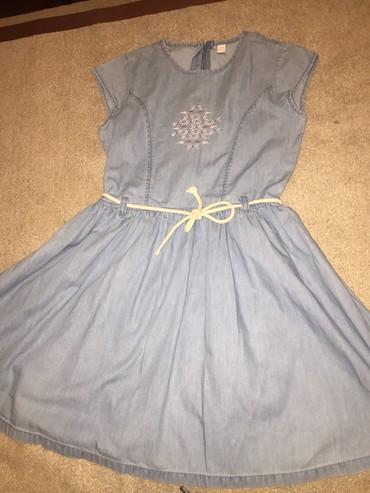 телефоны флай для девочек в Азербайджан: Джинсовое платье для девочки . Состояние идеальное . 8-9 лет