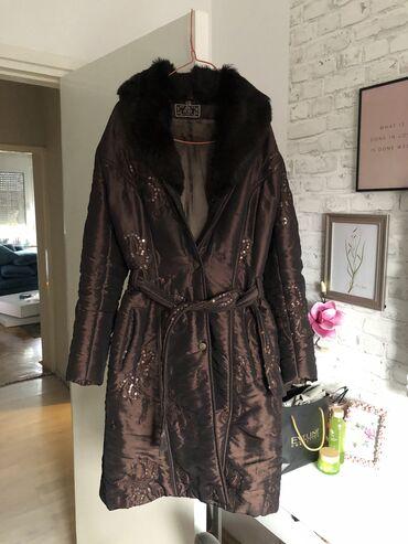 MONA jakna SA PRAVIM KRZNOM, nova kolekcija!! Jakna je obucena par