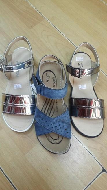 Zenska sandala plave boje u sredini je  ortopedska i ima meko gaziste, - Belgrade