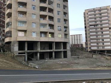Bakı şəhərində Binada yaşayış var.