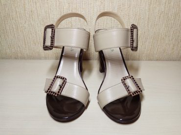 Продаются новые босоножки. Размер 36-37. Высота каблука 10 см. Basconi в Бишкек