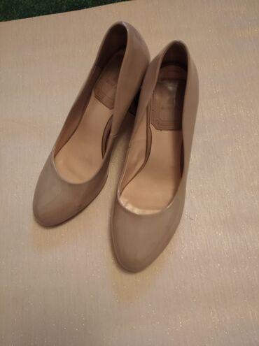 Очень удобные туфли, состояние идеальное.38 размер. Жалалабад