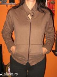 Prolećna jaknica, veličina m /l, bukvalno nova,materijal riblja kost - Pozarevac