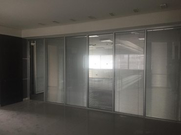 Bakı şəhərində Под Банк отель  клинику школу учебное