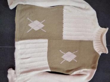 розовый свитерок в Кыргызстан: Свитерок женский раз.44-46 шерстяной мяккий теплый