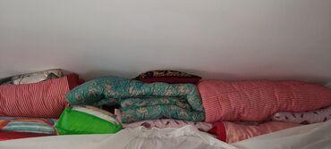Ev üçün dekor Azərbaycanda: Yun yorganlar, balislar satilir,hemise yukde qaliblar