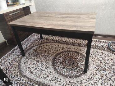 продам кухонный стол in Кыргызстан | СТОЛЫ: Стол состояние отличное ни единой царапины продаем связи с переездомдл