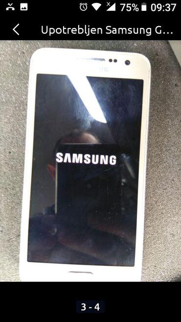 Mobilni telefoni - Paracin: Upotrebljen Samsung Galaxy Ace 3 2 GB zlatni