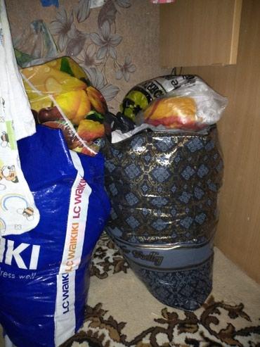 Отдам большой пакет женских вещей б\у в Бишкек