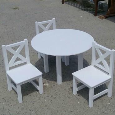 uşaq oturacaqları - Azərbaycan: Uwa oragi ucun masa ve oturacaq