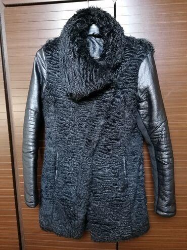 Krznena jakna, nalozena, sa koznim rukavima
