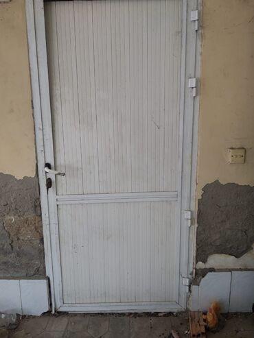 Satılır tecılı evden çıxma qapılar pencereler alminumda var arasında