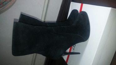 Продаю женскую обувь чистая в Бишкек