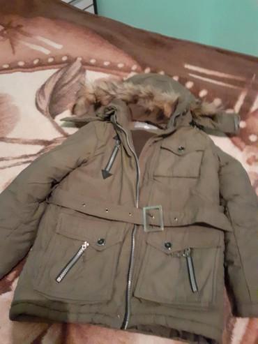 детская куртка зимняя в Кыргызстан: Продаётся детская зимняя куртка в отличном состоянии на 7,8,9лет
