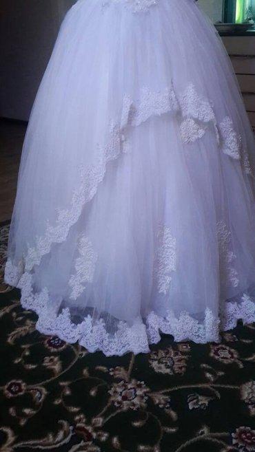 Продаю свадебное платье! очень красивое платье, низ обшит в ручную  би в Бишкек