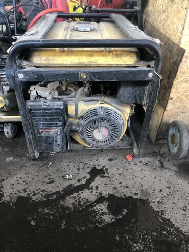 Продаю генератор 5 кВ состояние хороше есть торг