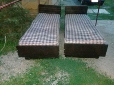 Продаю 2 кровати с матрасом договорная   в Бишкек