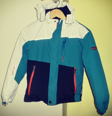 Dečija jakna brenda RAINTEXveličine 146, extra kvalitet i izrada