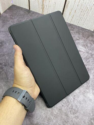 Фирменный чехол на iPad 7
