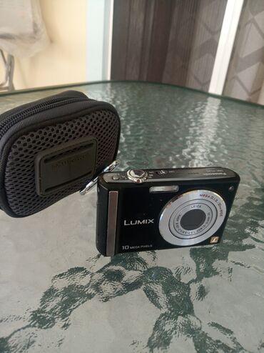 Φωτογραφική μηχανή LUMIX 10 Mega Pixels μαζί με την θήκη της και τον