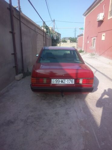 Nəqliyyat - Azərbaycan: Mercedes-Benz 190 2 l. 1988