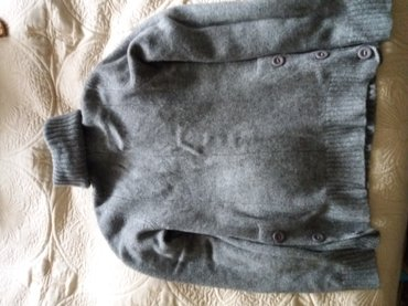 Шерстяная кофта, свитер. Б/у. Размер 38. в Бишкек