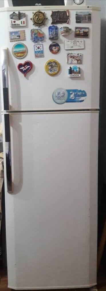 Б/у Двухкамерный Черный холодильник LG