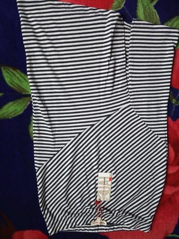 Женская одежда в Балыкчы: Юбки новые размеры 42 каждый по 200сомов качество хорошее куплено в