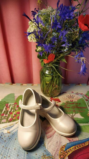 спортивная-мужская-обувь в Кыргызстан: Жемчужные туфельки для маленькой ЗолушкиНосили только по
