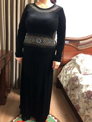 Платья и накидка в идеальном состоянии!