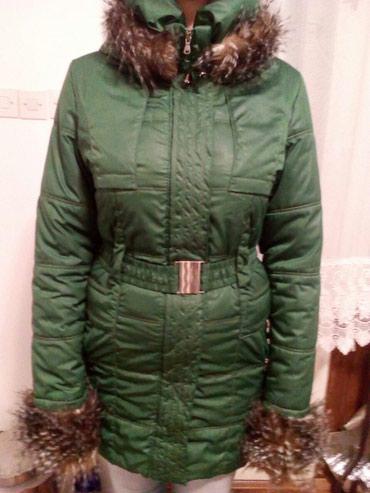 Ženska zimska jakna,vrlo malo nošena, sa ispravnim - Ruma